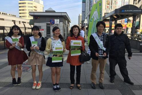 愛知県の金山駅拠点には、あしなが奨学金OGの大先輩も駆けつけられ、募金を呼びかけていただいた